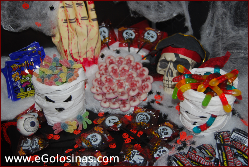 Como realizar un candy bar de halloween for Decoracion mesa halloween
